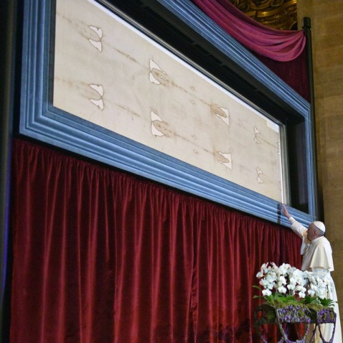 Turin's Holy Shroud veneration to be broadcast live on Holy Saturday