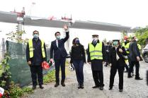 epa08388619 Italian Prime Minister Giuseppe Conte (2-L) wearing a protective face mask arrives for the inauguration ceremony of the last part of the deck of the new Genoa motorway bridge in Genoa, Italy, 28 April 2020. The new Genoa bridge, designed by architect Renzo Piano, will be inaugurated 28 April in the presence of Prime Minister Conte. The new bridge is under construction after the Morandi highway bridge partially collapsed on 14 August 2018, killing a total of 43 people. EPA-EFE/Luca Zennaro