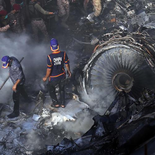 At least two passengers survive Pakistan air crash