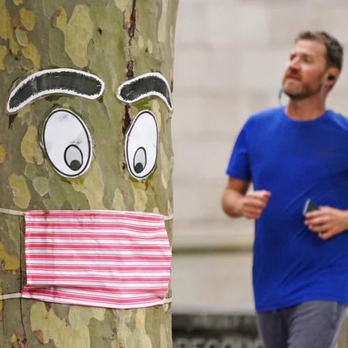 Melbourne to end mandatory masks wearing outdoors, despite stubborn virus outbreak
