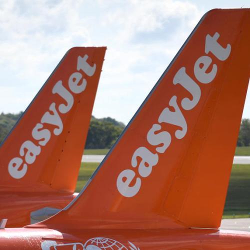 EasyJet to slash staff by 30%