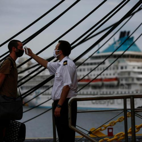 Greece pledges extra 400 million euros help tourism industry