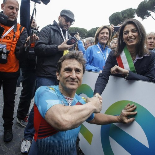 "Pope writes to Zanardi saying he has given ""lesson of humanity"""