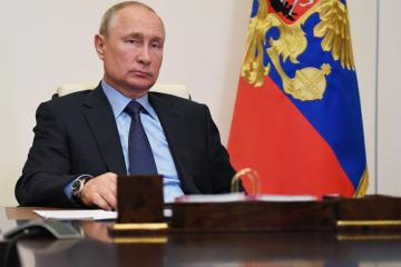 """UPDATED: Putin to remain in COVID-19 isolation for """"a few days"""""""