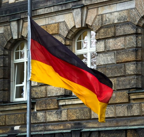 German recovery losing some momentum as services struggle in August
