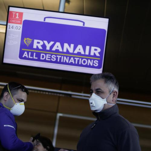 Ryanair posts smaller than expected loss, wary of COVID second wave