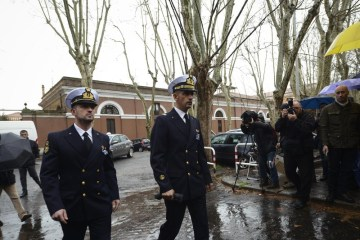 India's top court ends proceedings against Italian marines