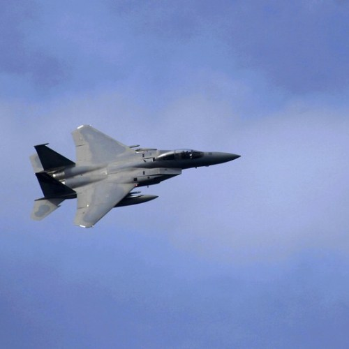 Passengers injured as US fighter jet comes close to Iranian plane