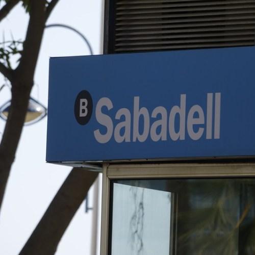 Spain's banks look to make lockdown branch closures permanent