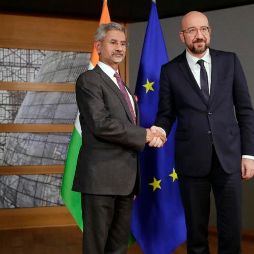 India in talks with EU for trade deal, open to pact with UK