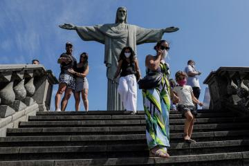 Brazil reports 39,637 coronavirus cases and 873 COVID deaths in 24 hours