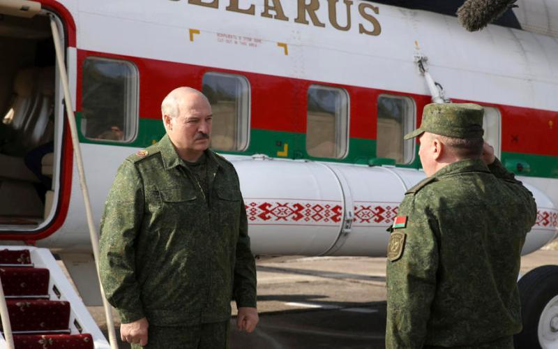Lukashenko orders army to defend Belarus' borders