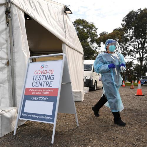 Australia's virus hotspot sees 5 new cases, on track for Christmas opening