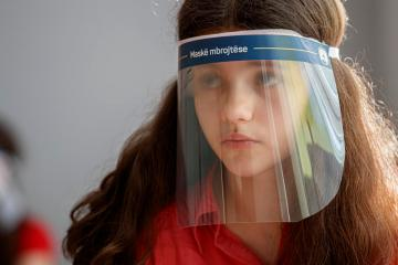 Study shows face shields ineffective at trapping aerosols