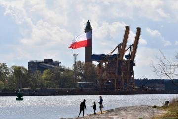 Poland postpones contested media law debate amid coalition splits