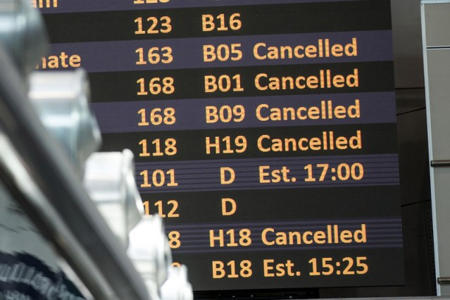Italy's watchdog investigates airlines over cancelled flights