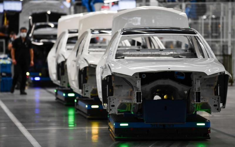 Europe, Britain's carmakers warn of 110 billion euro hard Brexit bill