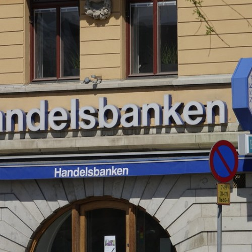 Sweden's Handelsbanken cuts staff, number of branches