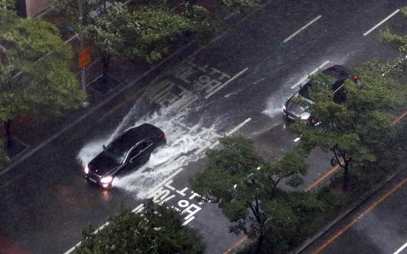 Typhoon Haishen threatens Korea after battering Japan