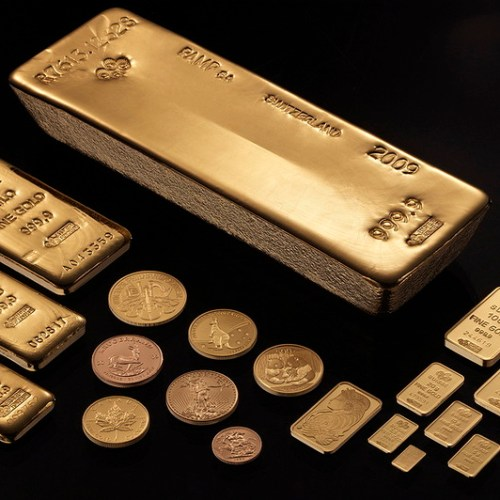 Gold gains as global growth worries support demand