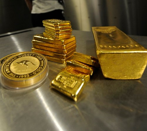 Gold edges higher but set for worst week in six