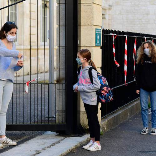 French, Belgian and English pupils back to school