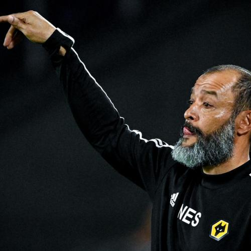 Wolverhampton Wanderers manager Espirito Santo signed new three-year contract