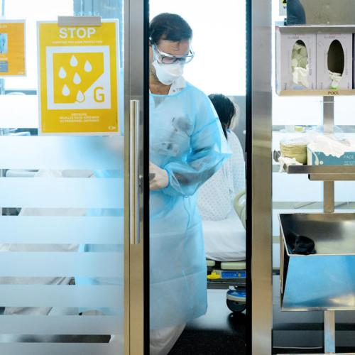 Swiss cabinet tightens coronavirus curbs to protect hospitals