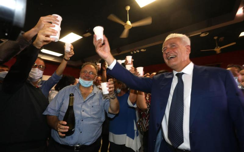 Italy's centre-left holds on to Tuscany as main coalitions win three regions each