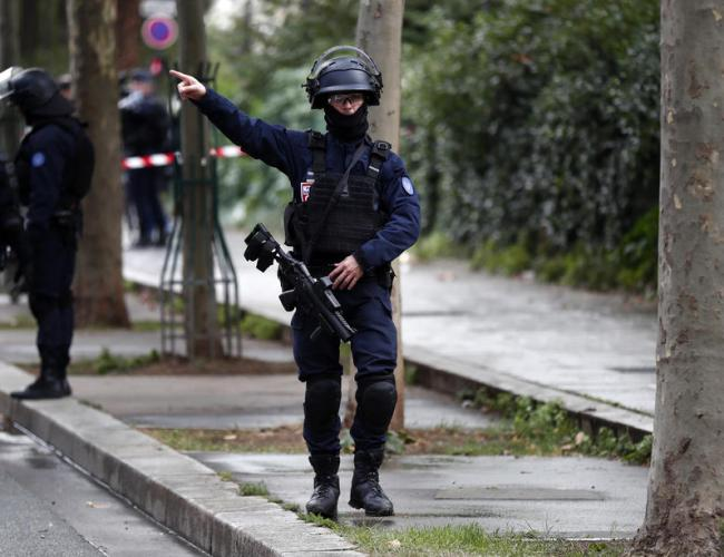 UPDATED: Knife attack outside Charlie Hebdo's former office in Paris, suspect arrested