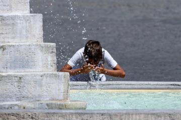 Europe needs to prepare for temperatures of 50C, says Met Office