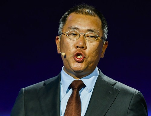 Hyundai Motor heir takes over from father after 20 years in waiting