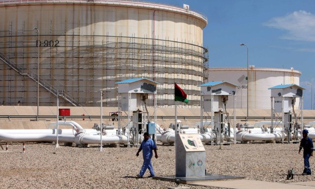 Libyan oil guards allow work to resume at two main ports
