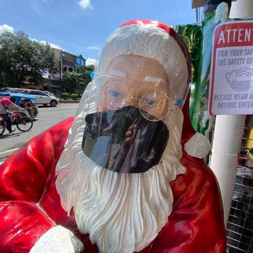 US pulls plan to give early vaccine to Santa Claus