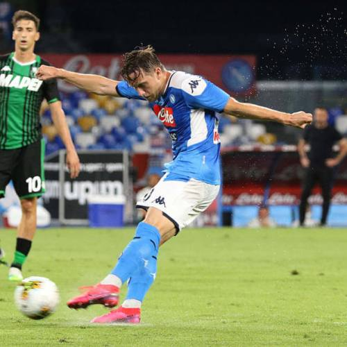 Napoli's Zielinski tests positive for Covid-19