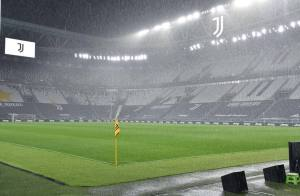 Italian FA head says good chance of stadiums reopening before Euro 2020
