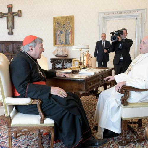 Pope meets Cardinal Pell after abuse conviction overturned