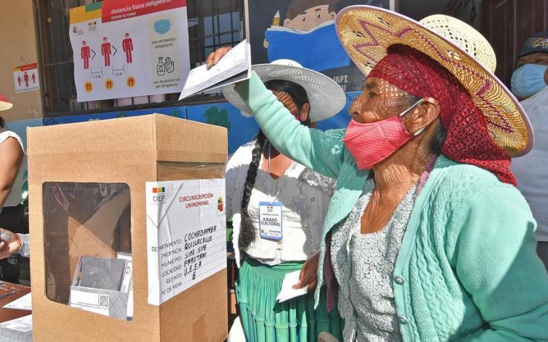 Bolivia's socialists seal dramatic election comeback