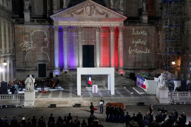 Erdogan backs boycott of French goods – European countries rally behind Macron