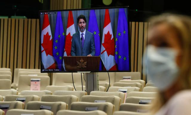 Canada says stronger response needed to fight coronavirus, PM hopes to avoid major shutdown