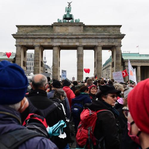 German police clash with protesters angry at Merkel's coronavirus plans