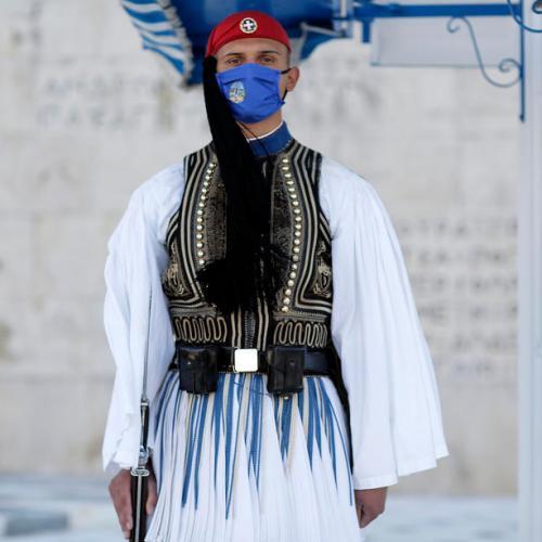 Greece tightens COVID-19 lockdown, shuts primary schools