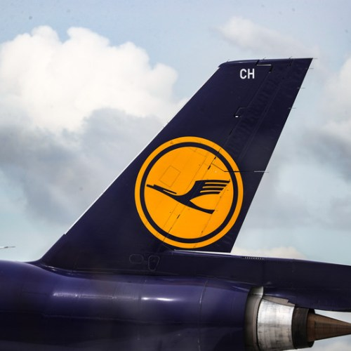 German airline Lufthansa reaches deal with pilots on cost savings