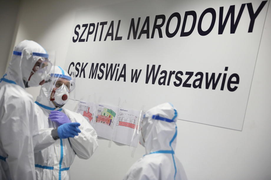 Poland reports new daily high of 637 coronavirus-related deaths