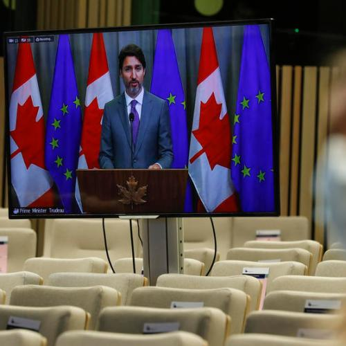 Canada seeing a massive spike in COVID cases, hospitals could be swamped – PM Trudeau