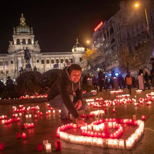 Czechs mark anniversary of Velvet Revolution amid pandemic