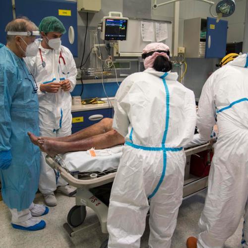 Italy reports 20,648 new coronavirus cases, 541 deaths on Sunday