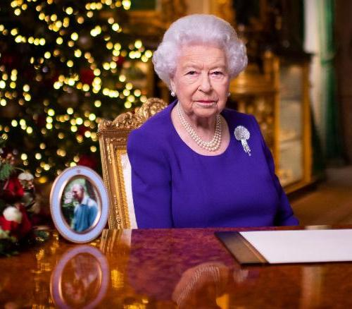 Many just want a hug for Christmas this year, Queen Elizabeth says