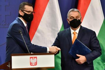 Hungary's Orban backs Polish court ruling challenging EU law
