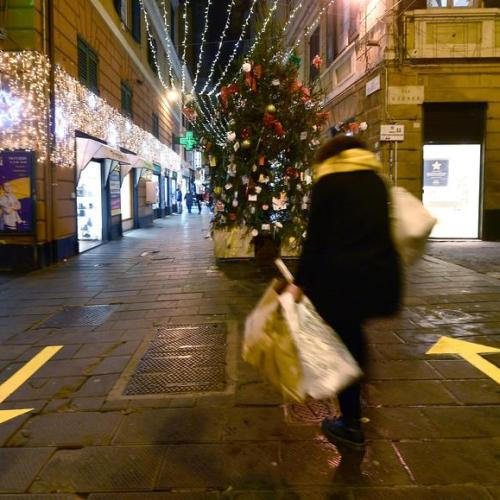 Italy orders Christmas, New Year lockdown